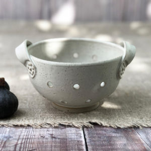 Ceramic colander berry bowl